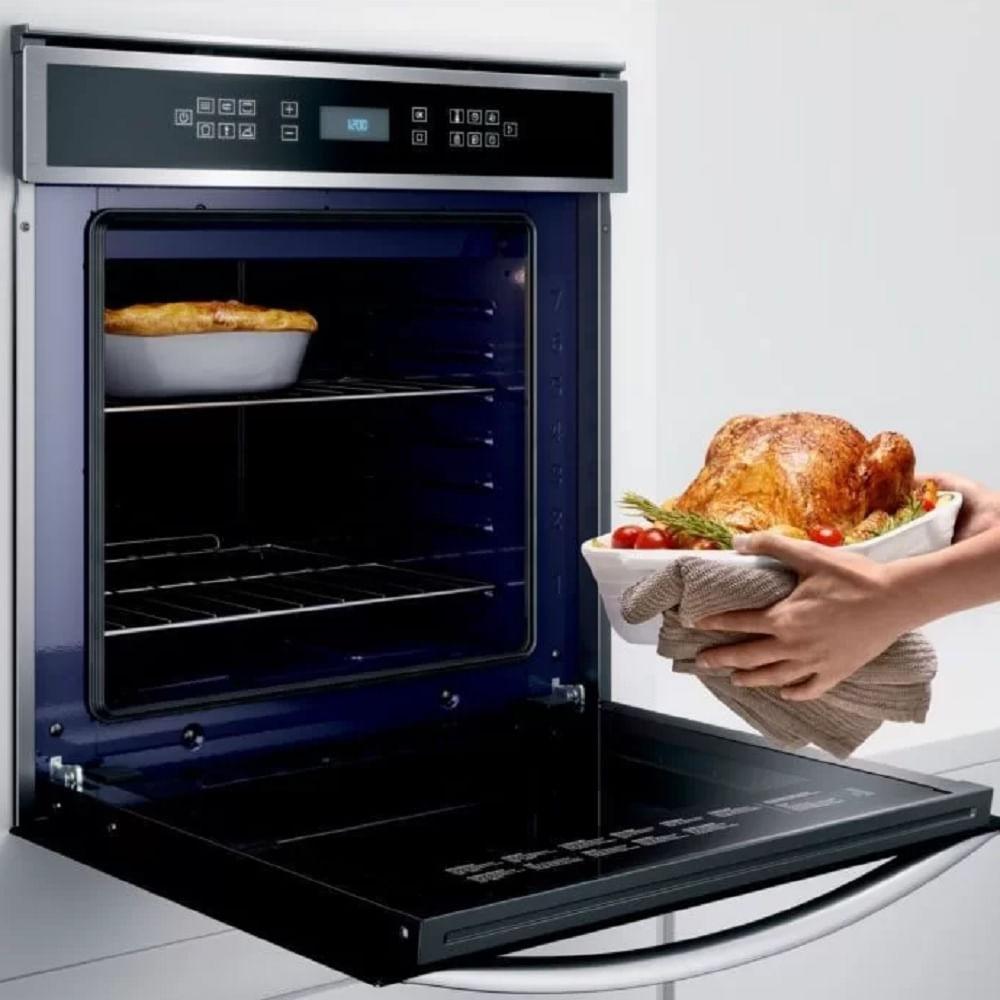 Forno Elétrico de Embutir Brastemp 84 Litros Inox Meat Control 220V BOT84ARBNA